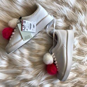 NWT Zara Pom Pom puff white shoes